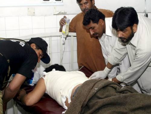Duplice attentato in Pakistan:  muore il rettore anti-talebani