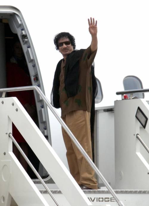 Gheddafi ha ricevuto gli italiani rimpatriati