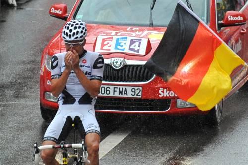 Tour, Haussler piange di gioia  Nocentini settima volta in giallo