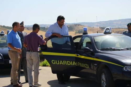 Lampedusa, il sindaco in manette  E' accusato di concussione