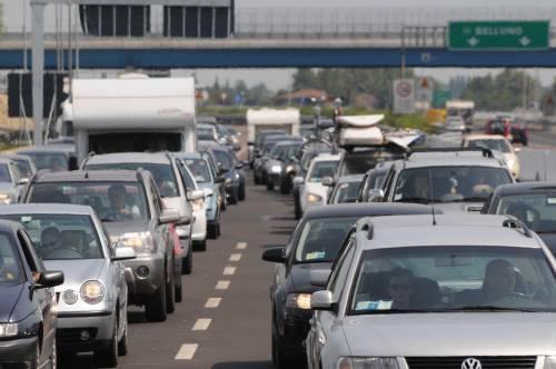 Disastro di Mestre? Colpa di chi blocca i cantieri   A Fiumicino l'Alitalia va in tilt per l'overbooking