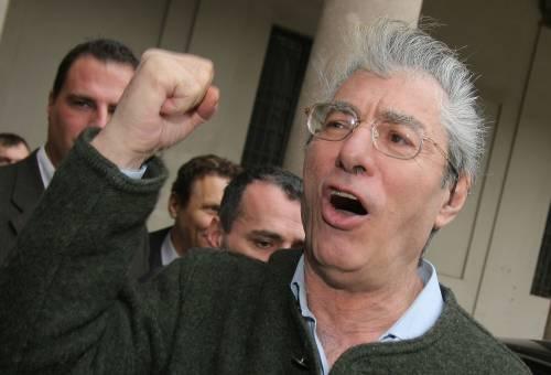 """Gabbie salariali, Bossi: """"Incontro coi sindacati""""  Ma La Russa frena: """"Frutto del sole d'agosto"""""""
