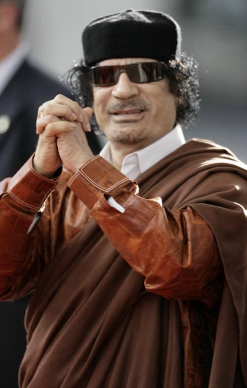 """Gheddafi accoglie Megrahi: """"Grazie alla Regina"""""""