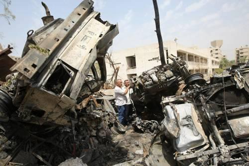 Bagdad, due attentati  contro gli autobus:  20 le vittime, 10 i feriti