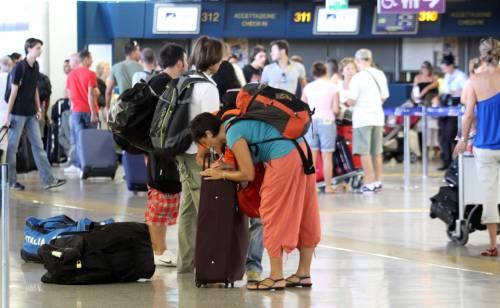 Voli Alitalia da Fiumicino a Linate<br /> Non imbarcano le valigie: è rivolta