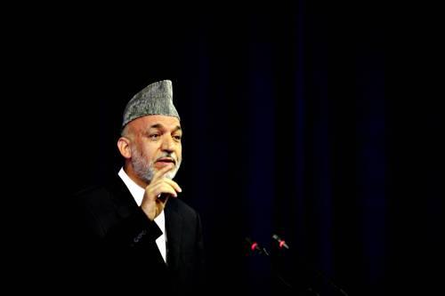 Kabul, Karzai allunga<br /> la distanza da Abdullah:<br /> presidente uscente al 43%