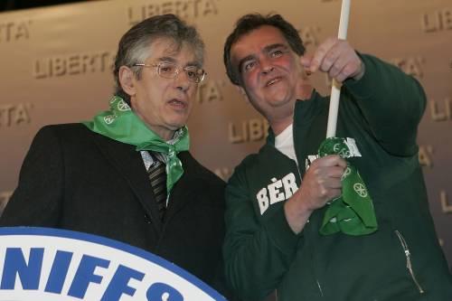 """Bossi: """"Con Calderoli in Vaticano per  chiarire"""""""