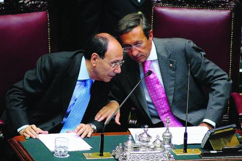 """Schifani e Fini: """"Di Pietro offende il parlamento""""   Lui controbatte: """"Casta intoccabili fa quadrato"""""""