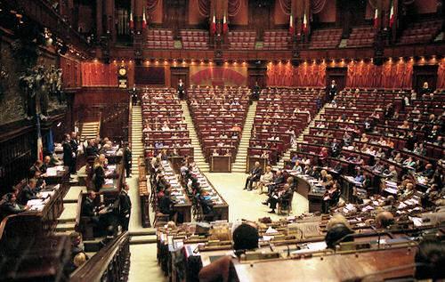 Politica e gossip: caccia ai trans in parlamento