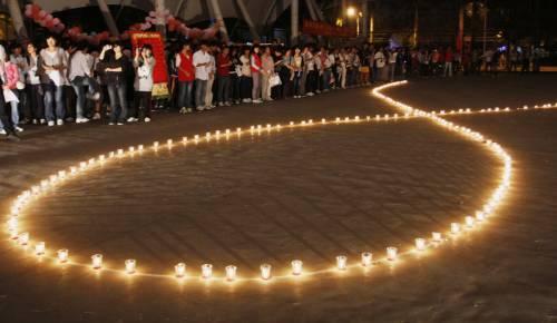 Giornata mondiale contro l'Aids  Allarme: cure per un bimbo su tre