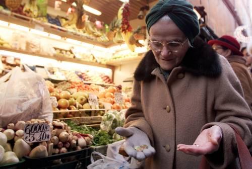 Un milione di famiglie  in povertà alimentare  Censis: l'Italia resiste