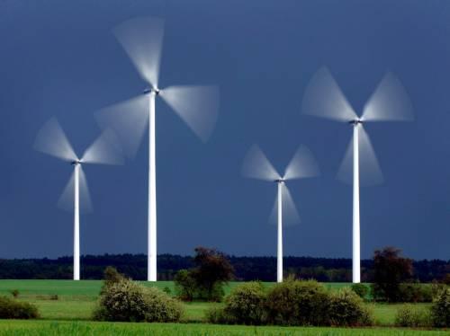 Energia eolica e vetture elettriche contro i cambiamenti climatici