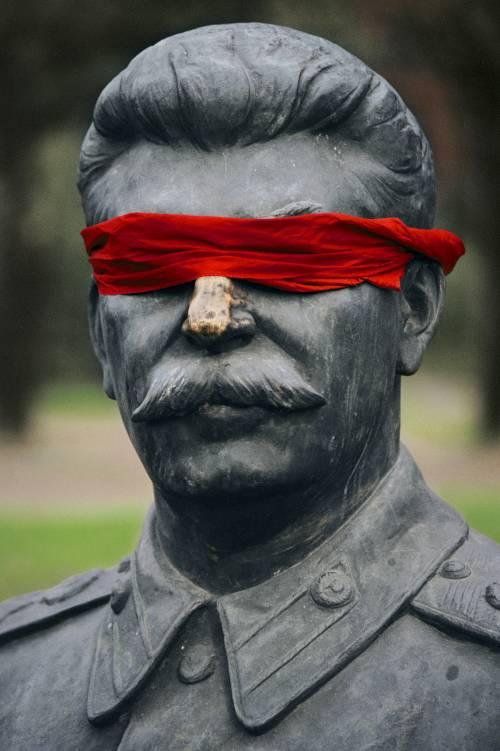 """""""Comunismo democratico? Una bugia da intellettuali"""""""