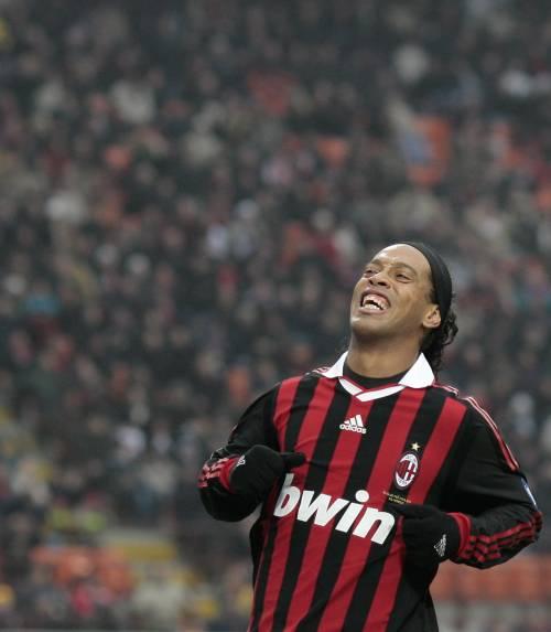 Ronaldinho, sventata truffa:  furto hacker da 800mila euro
