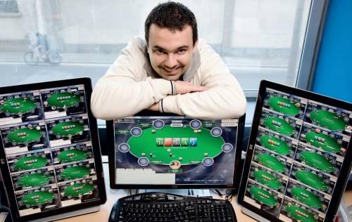 """""""Il mio lavoro: 12 mila euro mensili giocando a poker in Rete"""""""