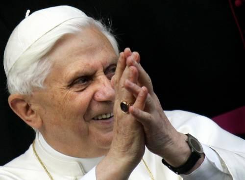 """Il Papa sulla sicurezza negli aeroporti:  """"Si rispetti la dignità della persona"""""""