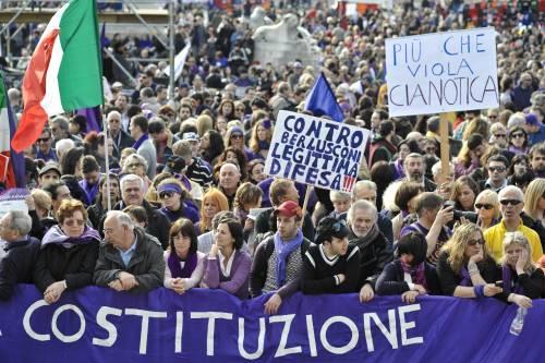 """Flop dei """"viola"""" anti-Berlusconi in piazza"""