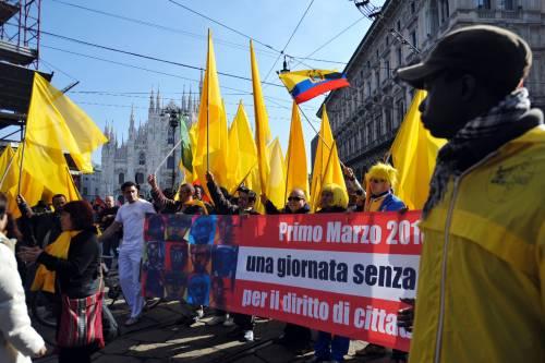 Milano, sciopero degli immigrati  Lega replica con corteo pro italiani
