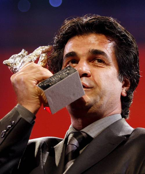 Iran, manette al regista Panahi