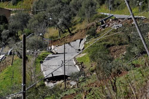 Messina, allarme frane:  evacuate 120 persone
