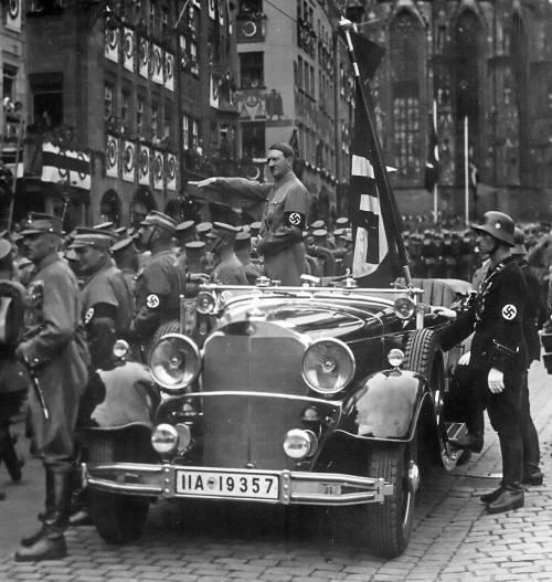 Polonia, campagna anti-aborto  Il testimonial? Adolf Hitler