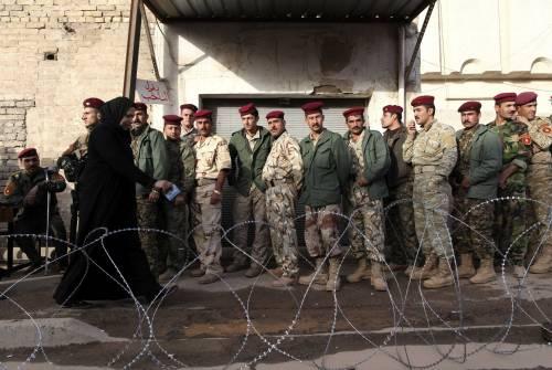 Irak, soldati i primi al voto  Ma è un Paese senza pace  Bagdad, 3 attacchi ai seggi