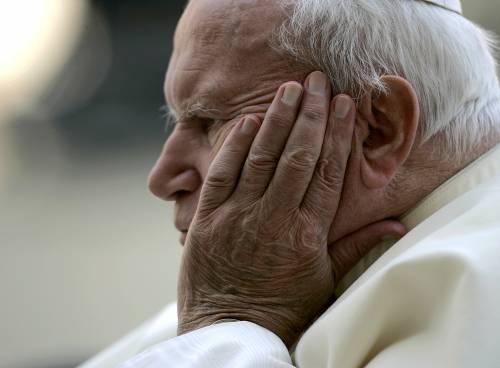 Papa Wojtyla, giallo sulla beatificazione rinviata