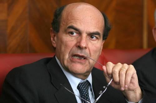 Nel Pd scoppia la faida tra falchi e colombe: Bersani è assediato