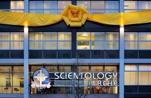 Quel sindaco che governa con le regole di Scientology
