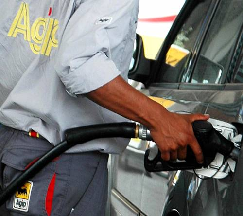 La benzina vola a 1,4 euro al litro