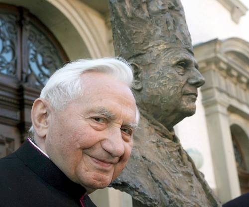 Georg Ratzinger si scusa per gli abusi nel coro