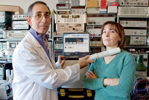 Ha inventato la macchina che vede  i tumori: lo accusano di stregoneria