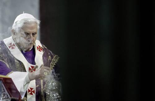 """Pedofilia, caso tedesco:  """"Il Papa sapeva tutto""""  Vaticano: """"Speculano"""""""