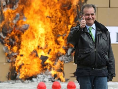 Calderoli, rogo anti burocrazia Eliminate 375mila leggi inutili