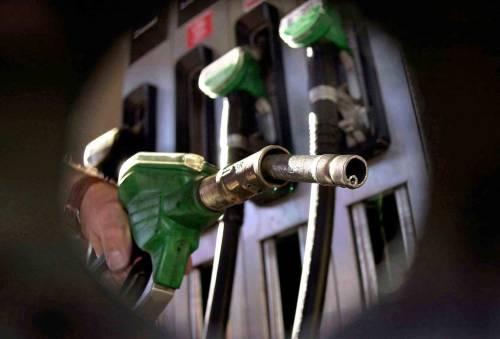 La benzina a 1,42 euro: stangata da 19 milioni