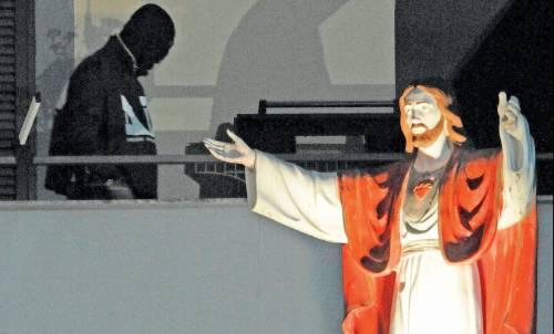 """Quei boss tutti covo e chiesa   che chiamano i figli """"Gesù"""""""