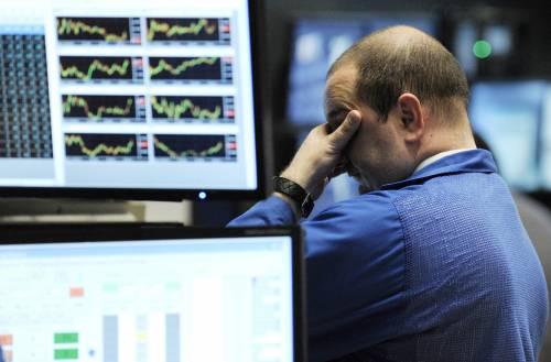 L'euro ai minimi da 4 anni  spaventa i mercati europei  Le Borse asiatiche a picco