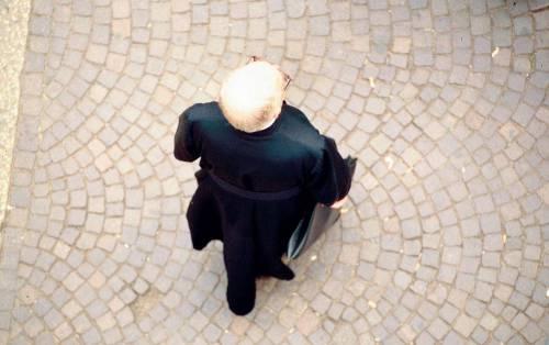 Lodi, abusi sui minori:  sacerdote arrestato