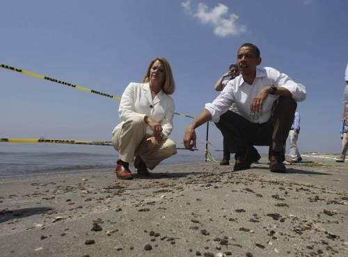 """Marea nera, Obama:  """"Responsabilità è mia  non vi abbandoniamo"""""""