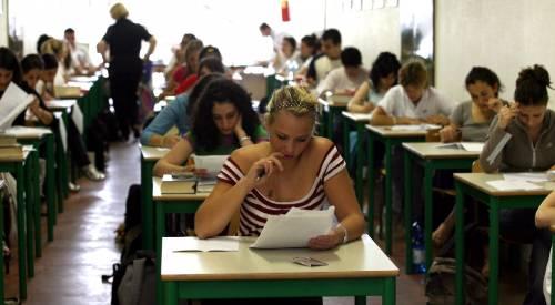 Notte prima degli esami in bianco  Più di centomila in videochat