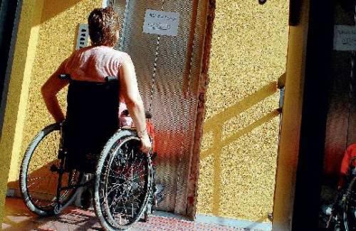 Disabili, in arrivo il   tutore di condominio