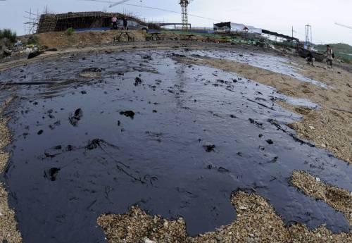 I 4 colossi del petrolio:  fermiamo la marea nera