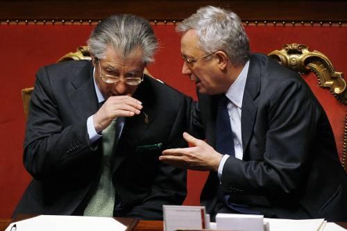 """Federalismo, il Senatùr: """"Iva e Irpef ai Comuni""""   Calderoli smentisce: """"Sciocchezze, alle Regioni"""""""