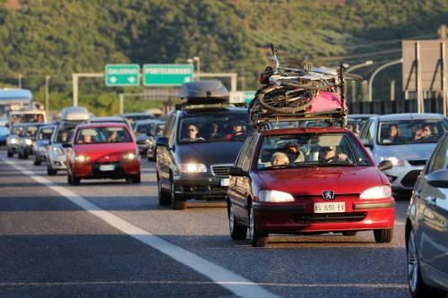 Esodo per le vacanze<br /> Milioni in viaggio<br /> Traffico da Nord a Sud