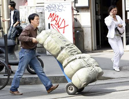 Chinatown, spunta  un pezzettino  di isola pedonale