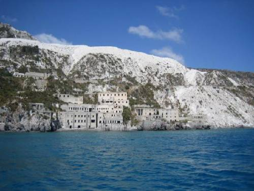 Terremoto alle Eolie: paura e frane a Lipari