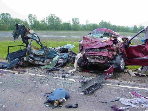 Terni, tragedia sulla statale: morti tre ragazzi