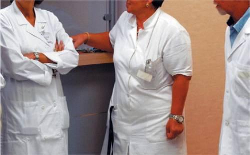 La sanità lombarda non paga:  fuga degli infermieri in Svizzera