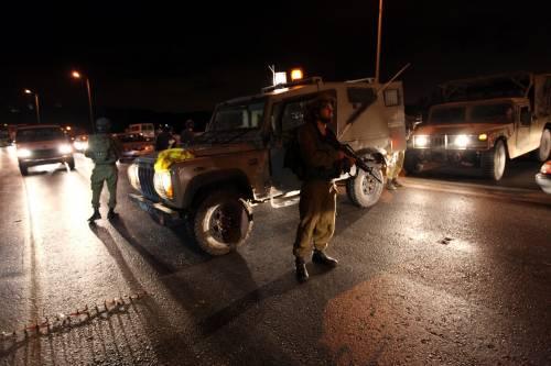 Hebron, attacco a coloni  uccisi quattro israeliani  Oggi partono i negoziati