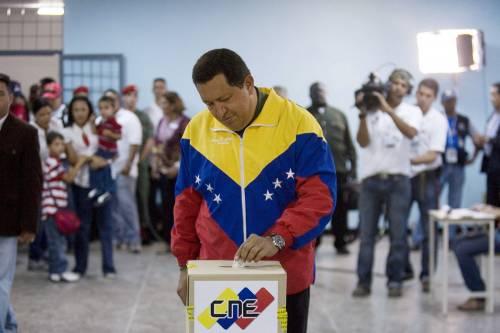 Venezuela, Chavez vince ma non ha i due terzi